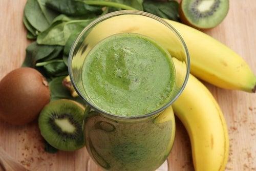Frullato-banana-e-spinaci-500x334