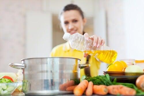 Quali oli e grassi usare in cucina?