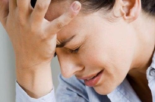Eliminare il mal di testa con rimedi naturali