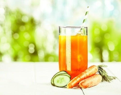 Succo di carota mela arancia e cetriolo