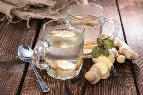 Tè allo zenzero o tè al miele