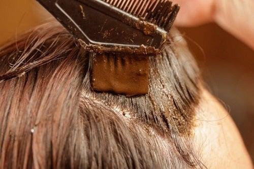 Tingere-i-capelli-con-henné-500x333