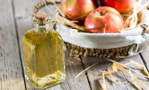Aceto di mele: 8 motivi per tenerlo sempre a portata di mano