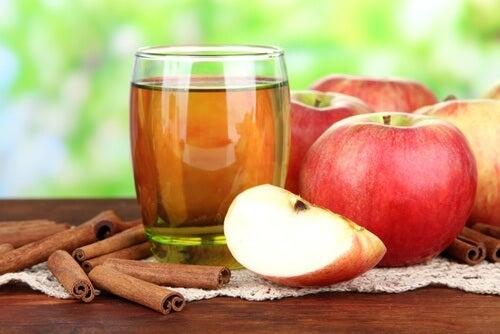 acqua di mela e cannella