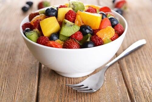 Come mangiare la frutta per perdere peso