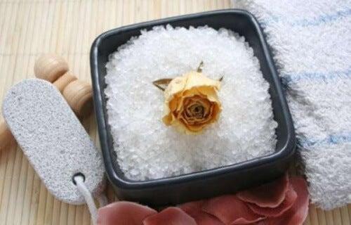 Come combattere la cellulite con il sale marino