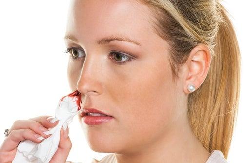 Rimedi naturali per il sangue dal naso