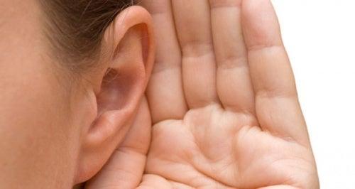 Acufene: cause e trattamento dei fischi nelle orecchie