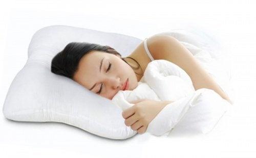 dolori cervicali e cuscino cervicale antistress