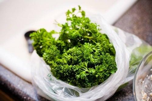 Purificare i reni in modo naturale con le erbe