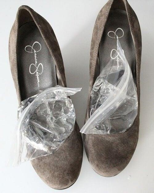 ghiaccio-dentro-le-scarpe