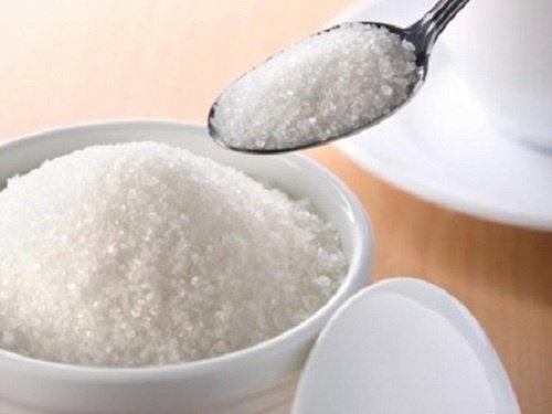 Un trucco contro l'insonnia: sale e zucchero