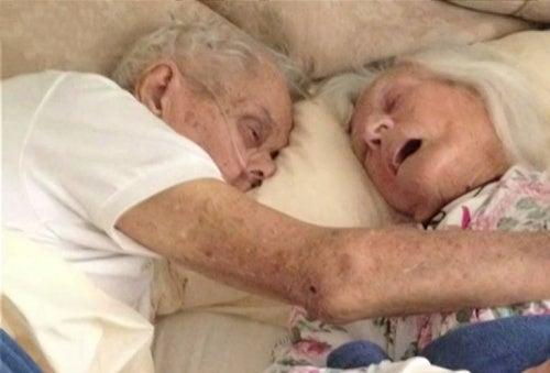 Coppia sposata per 75 anni muore a poche ore di distanza