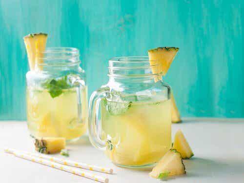 Acqua di ananas contro la ritenzione idrica