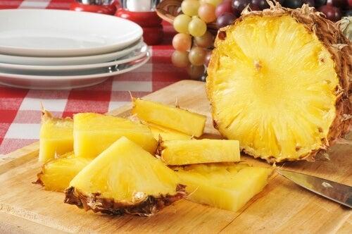 Ananas a pezzi maschera