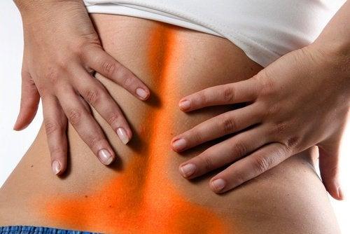 Rimedi naturali contro la lombalgia: 3 consigli di base