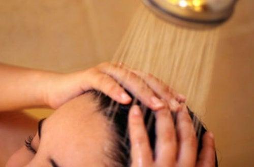 La bellezza di pelle e capelli garantita da 8 trucchi