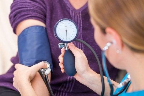 Controllare la pressione arteriosa
