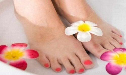 Come avere piedi perfetti in 15 minuti