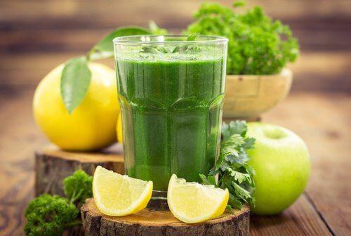 Bevande che migliorano la salute e aiutano a perdere peso