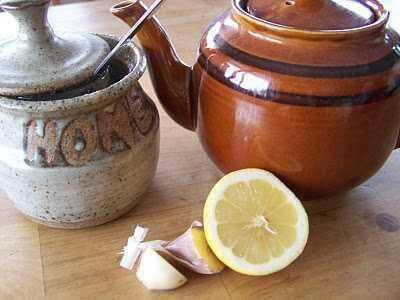 tè all'aglio e limone per combattere l'arteriosclerosi