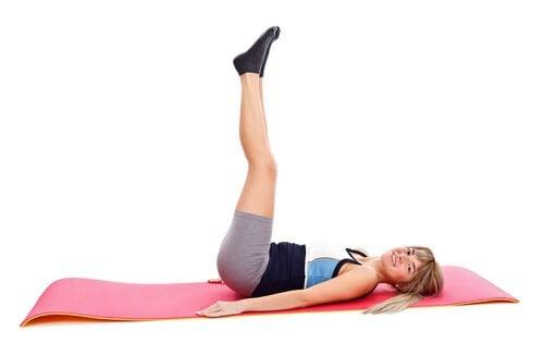 esercizi per rafforzare corpo gambe
