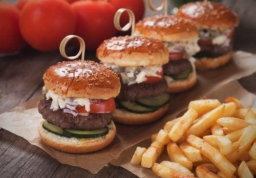 Big Mac: cosa il succede al corpo con il fast-food?