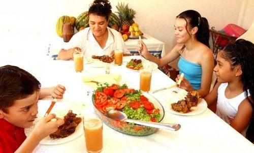 mangiare-in-compagnia