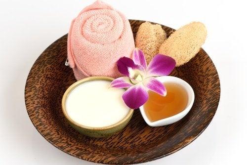 Maschera all'aspirina e yogurt