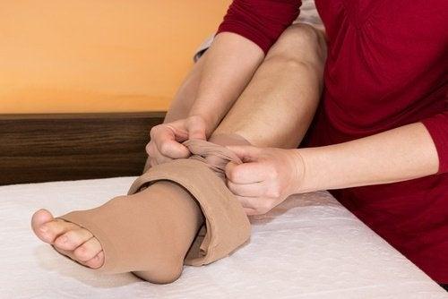 piede fasciato per la ritenzione idrica