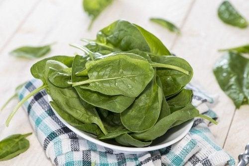 spinaci - mai tra gli alimenti riscaldati
