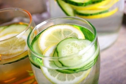 Acqua di cetriolo: disintossicante, diuretica e dimagrante