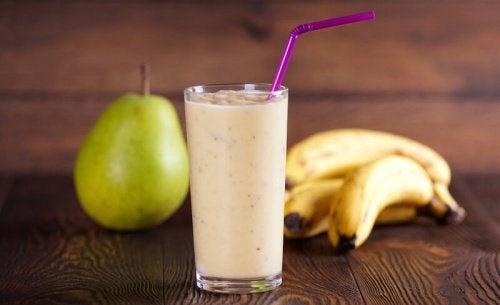 Frullato-banana-pera