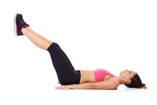Sollevamento-gambe mal di schiena