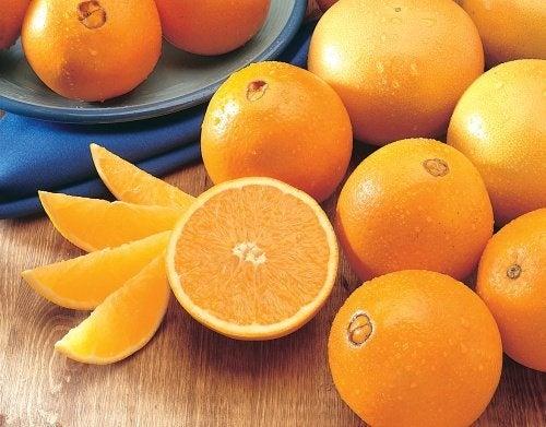 benefici del consumo di arance per perdere peso
