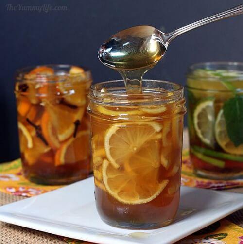 Colazione medicinale a base di arance e miele