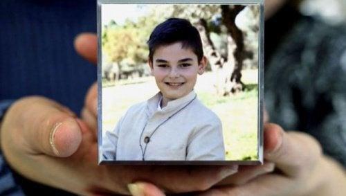 """Si uccide a 11 anni: """"Non ce la faccio più ad andare a scuola"""""""