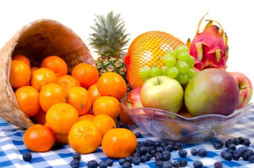 Il programma di 21 giorni per perdere peso prevede il consumo di frutta e verdura