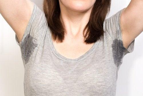 Rimuovere le macchie di sudore