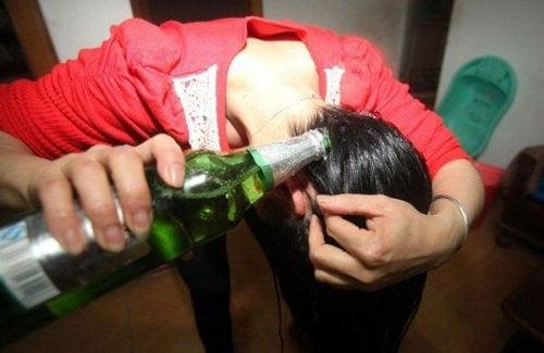 Birra per la cura dei capelli e della pelle: 6 usi speciali