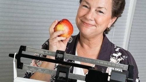 Diete Per Perdere Peso In Menopausa : Trucchi per non aumentare di peso quando arriva la menopausa