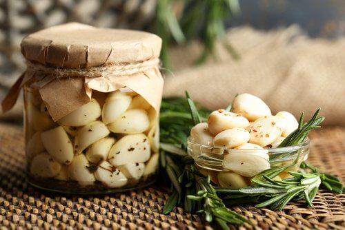 Pulire i polmoni con i rimedi a base di aglio