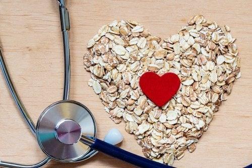 Colesterolo più basso con 5 rimedi naturali