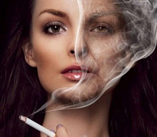 La pigmentazione forte su una faccia che togliere