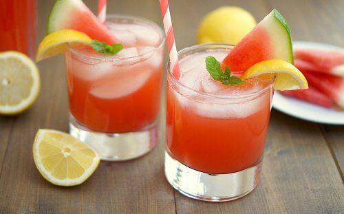 Succo d'anguria per disinfiammare l'addome