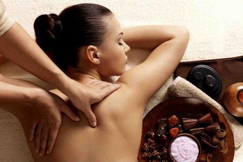 Massaggi rilassanti: ecco come farli alla perfezione