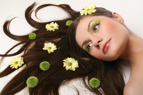 capelli e fiori