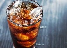 coca-cola con ghiaccio
