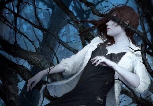 donna-intrappolata-tra-i-rami-di-un-albero