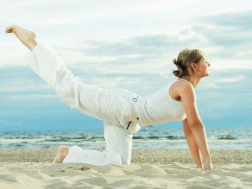 esercizi per ridurre il girovita e i fianchi